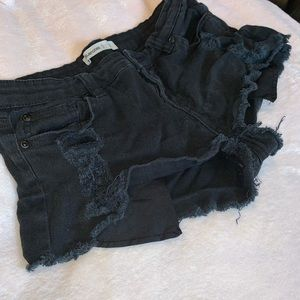 Bluenotes Short Black Ripped Jeans - Size 28/US 6